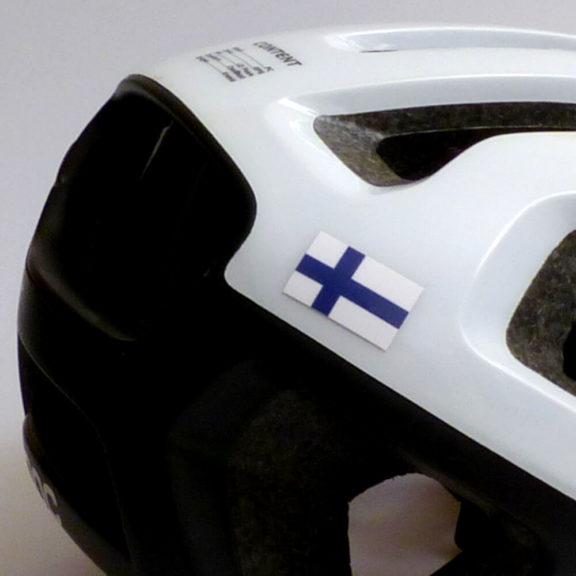 Suomen lippu pyöräilyyn ja kypärään